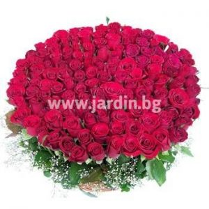 """кошница с рози """"Вълнуващо"""""""