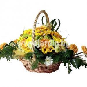 Кошница с хризантема