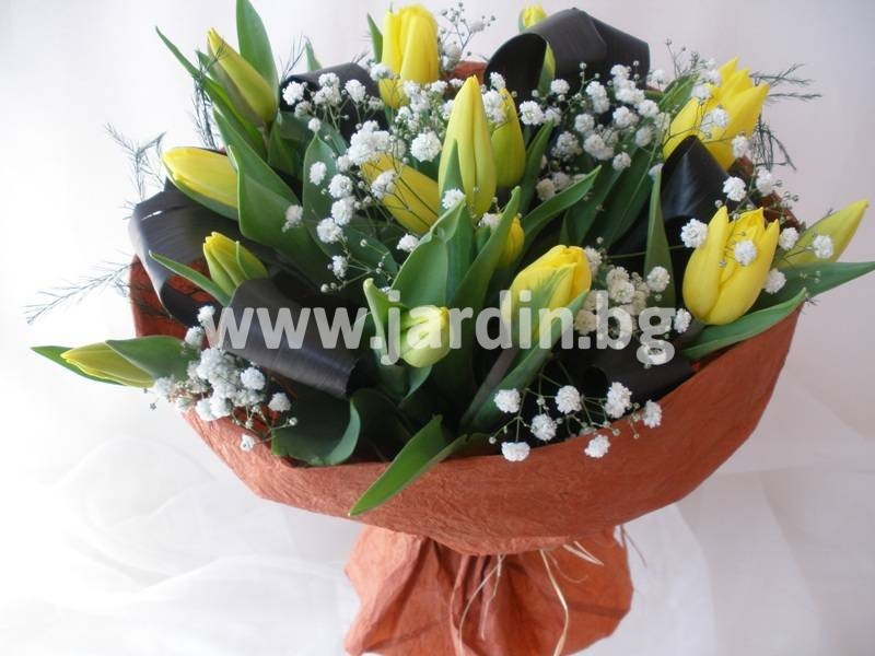 -delivery-to-bulgaria-lilies-rosess-delivery-bouquet_(10) –