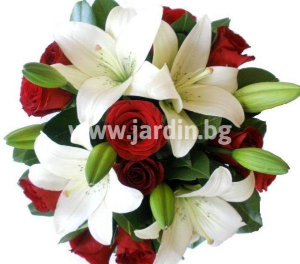 Луксът на розите