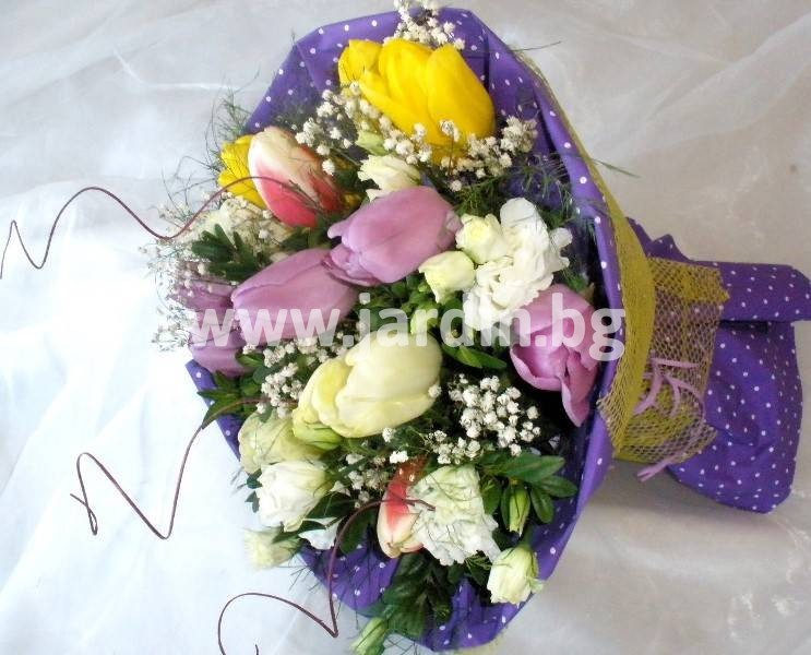 -delivery-to-bulgaria-tulips-delivery-bouquet_(33)