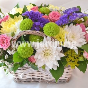 кошничка с цветя