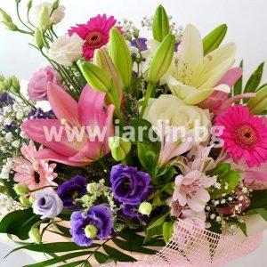 букет от розови цветя