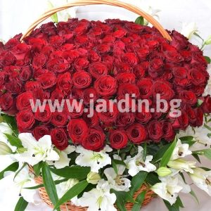 "Basket ""Magic roses"""