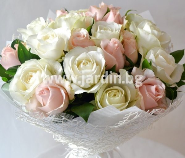 """Bouquet """"Exquisitely with roses"""""""