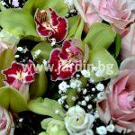 """Букет """"Розови рози и цимбидиум"""""""