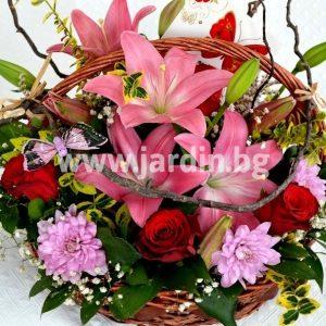 Lilies basket №1