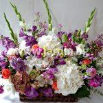 Кошница с Лилиум, орхидеи и рози