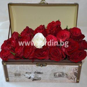 Розы в коробке №3