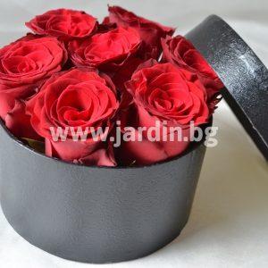 Червени рози в кутия №5