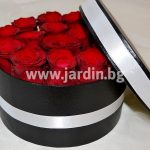 Red roses in box №9