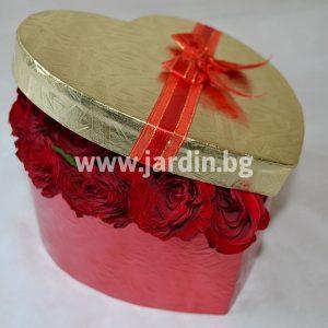 Красный розы в коробке №10
