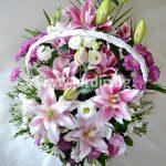"""кошница """"С магията на цветята"""""""