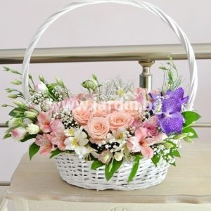 "Basket ""Roses, Vanda and Eustoms"""