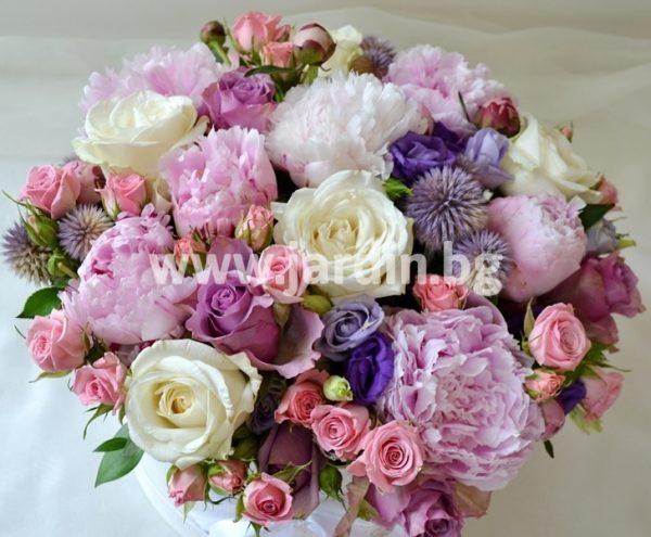 Божури и рози в кутия №4
