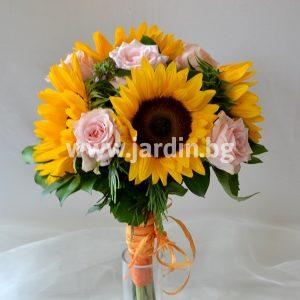 Букет Слънчогледи и рози №2