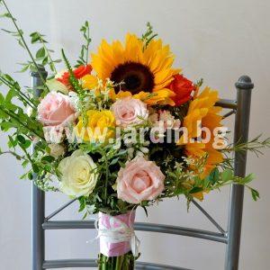 Букет Слънчогледи и рози №1