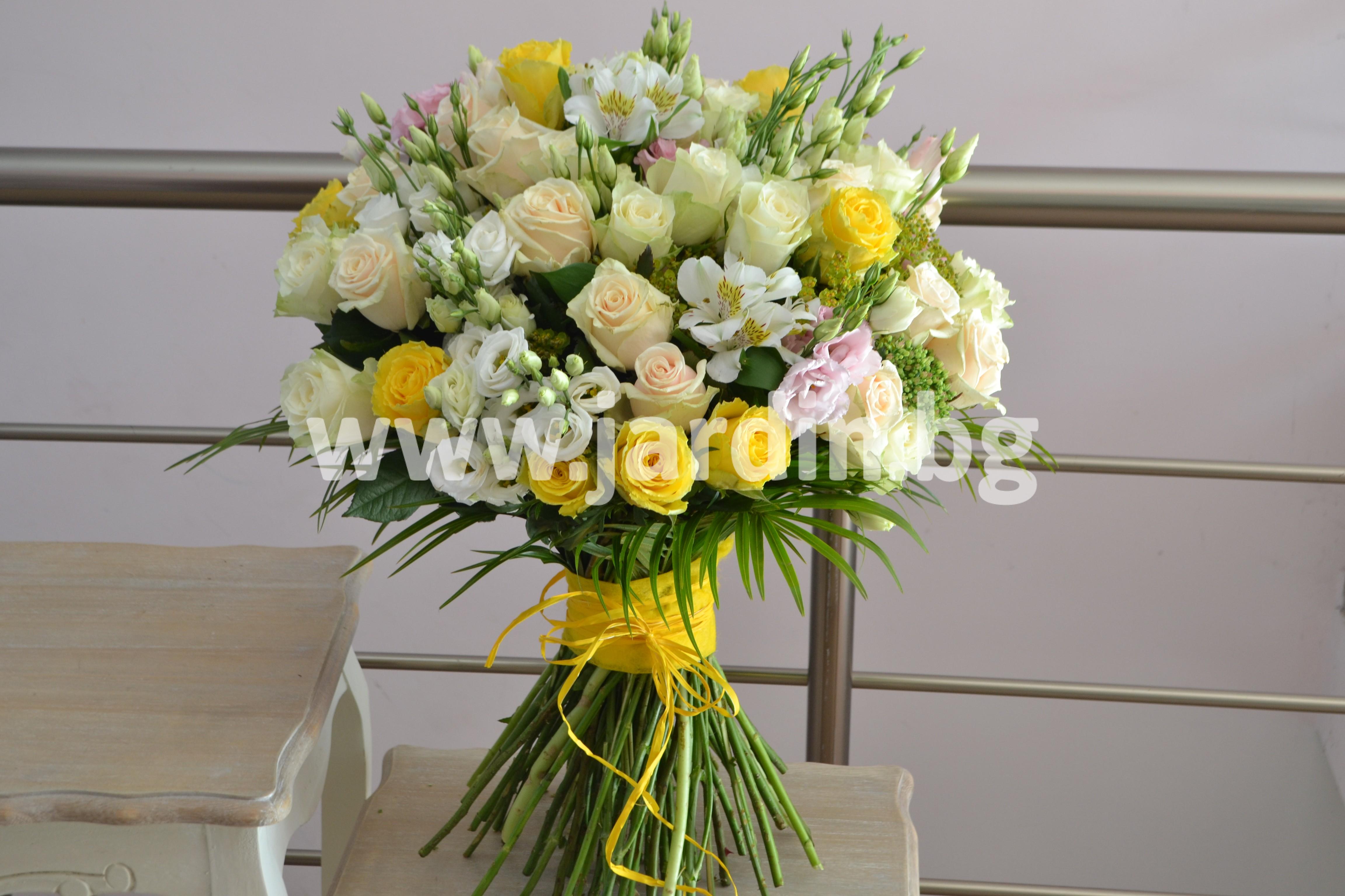 нестандартен-букет-рози-бургас (1)