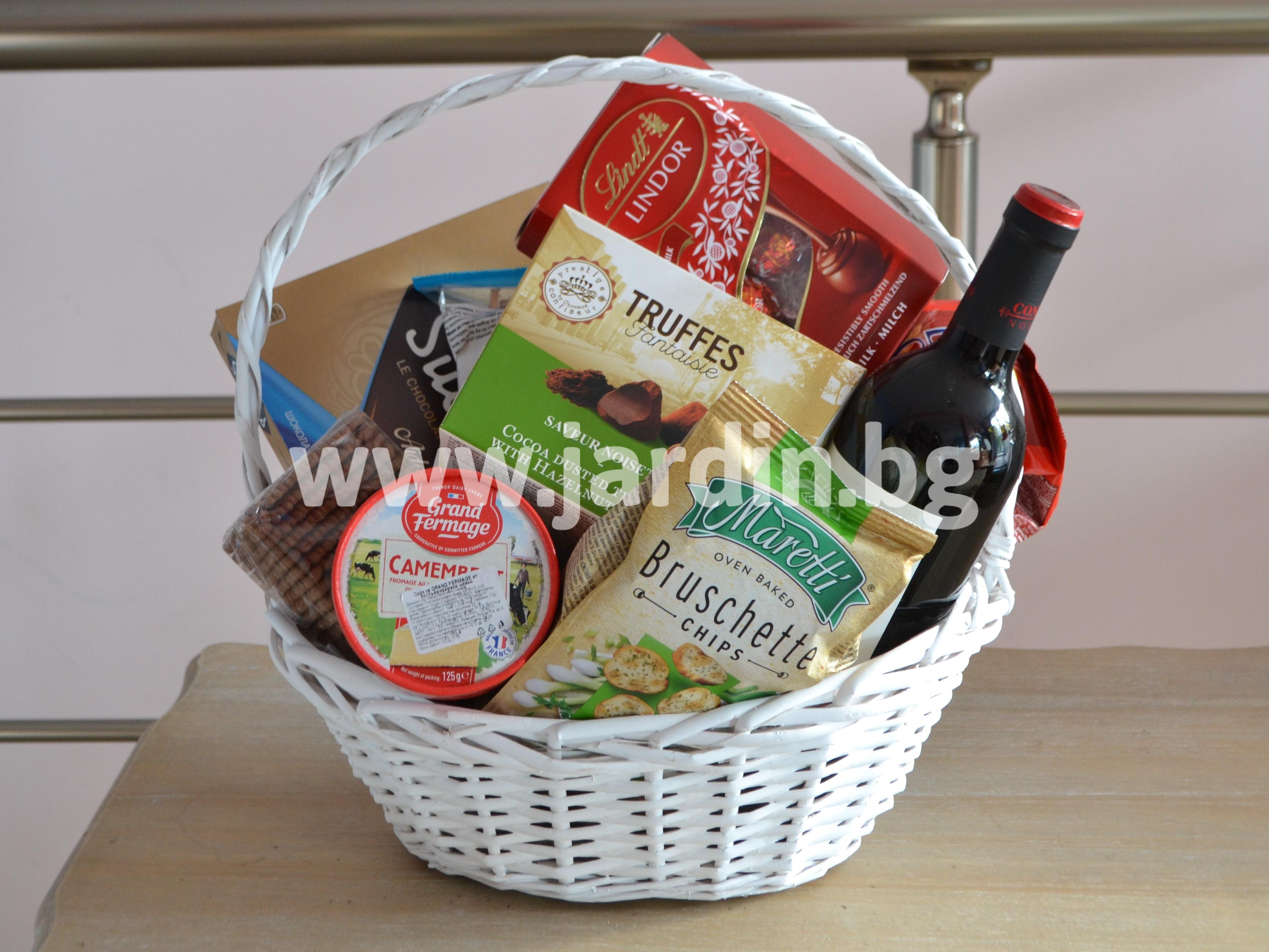 поздравителна кошница-продукти (1)