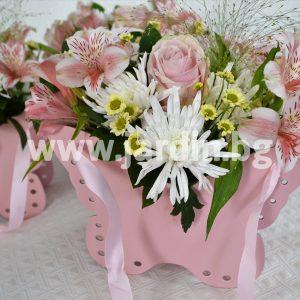 Цветя в кутия Пеперуда