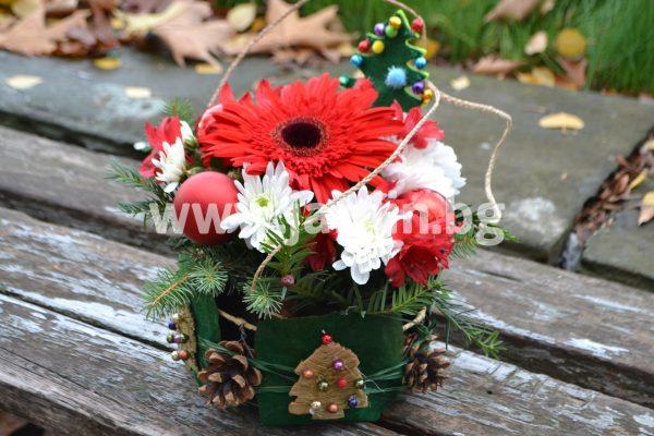 Christmas arrangement 28
