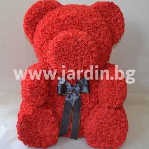 Arrangement of a bear from roses