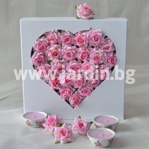 Розы в коробке №22