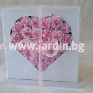 Рози в кутия №22