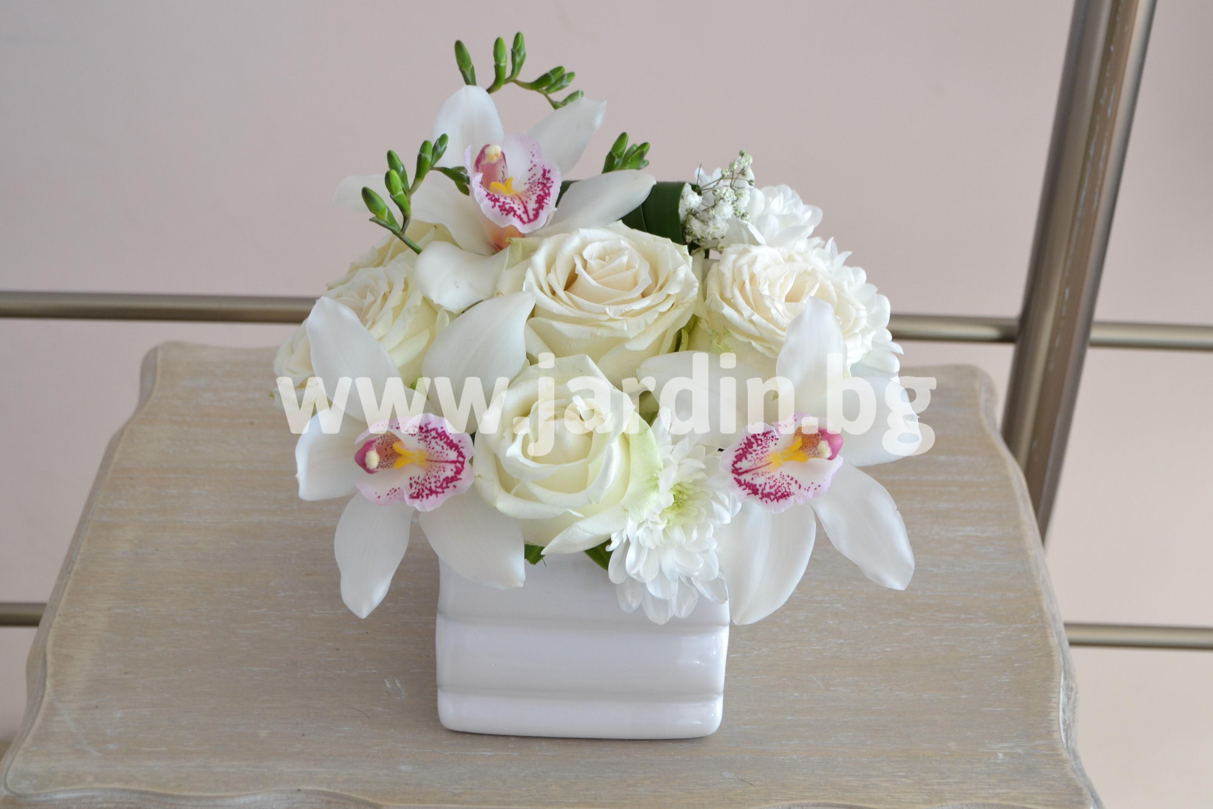 aранжировка-цимбидиум-и-рози (1)