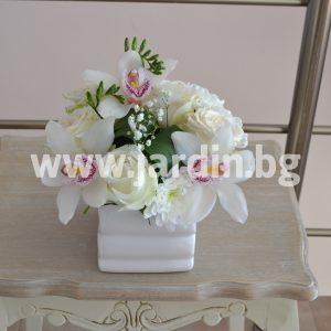 Композиция  Oрхидей и Rоз