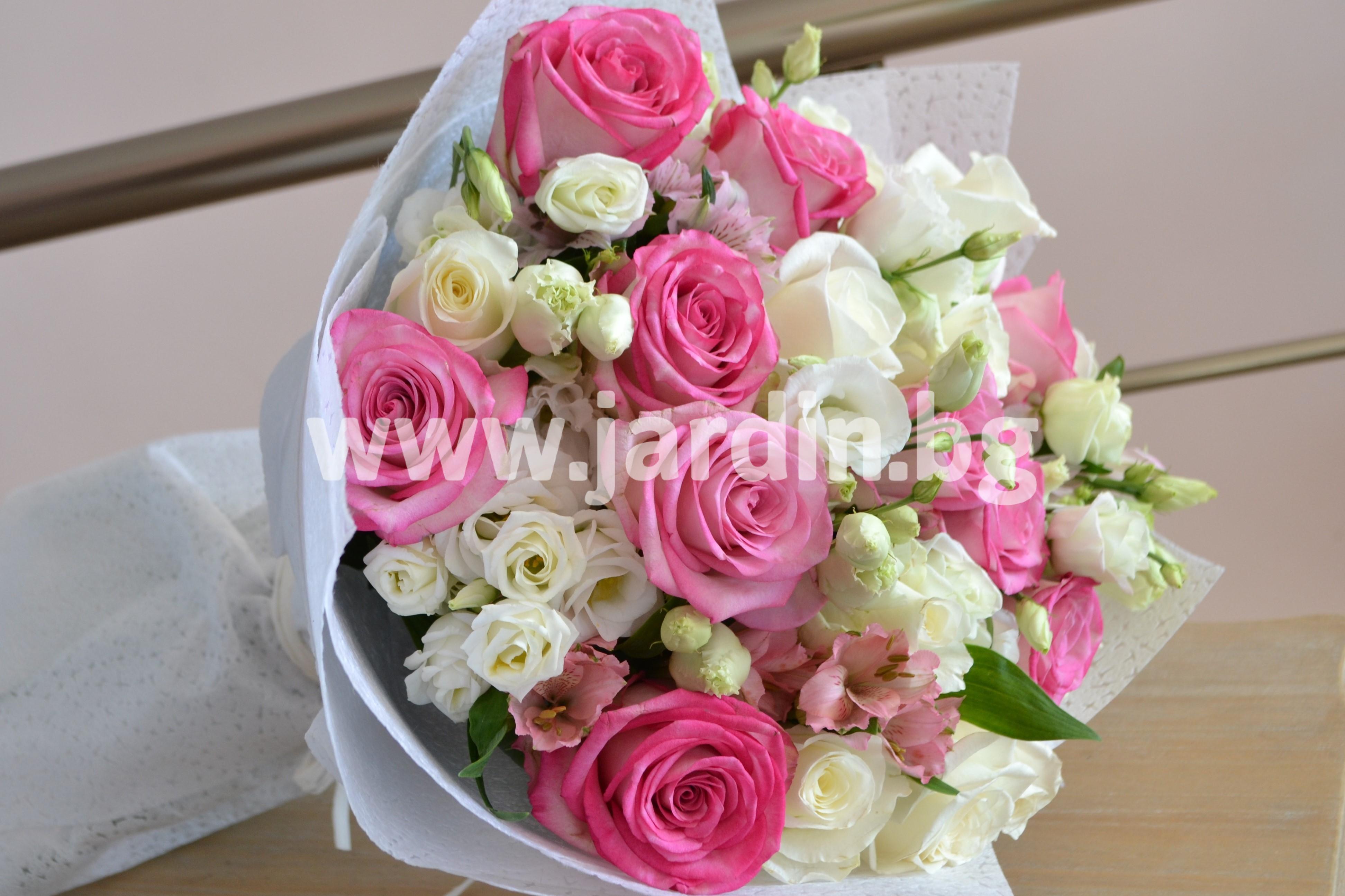 букет- рози-и-алстромерия (1)