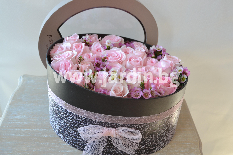 roses-in-box (6)