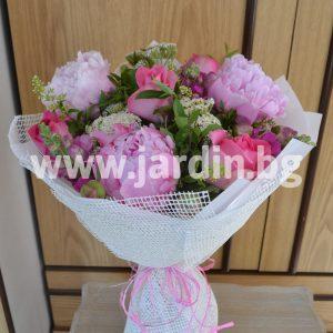 Букет пионов и роз №7