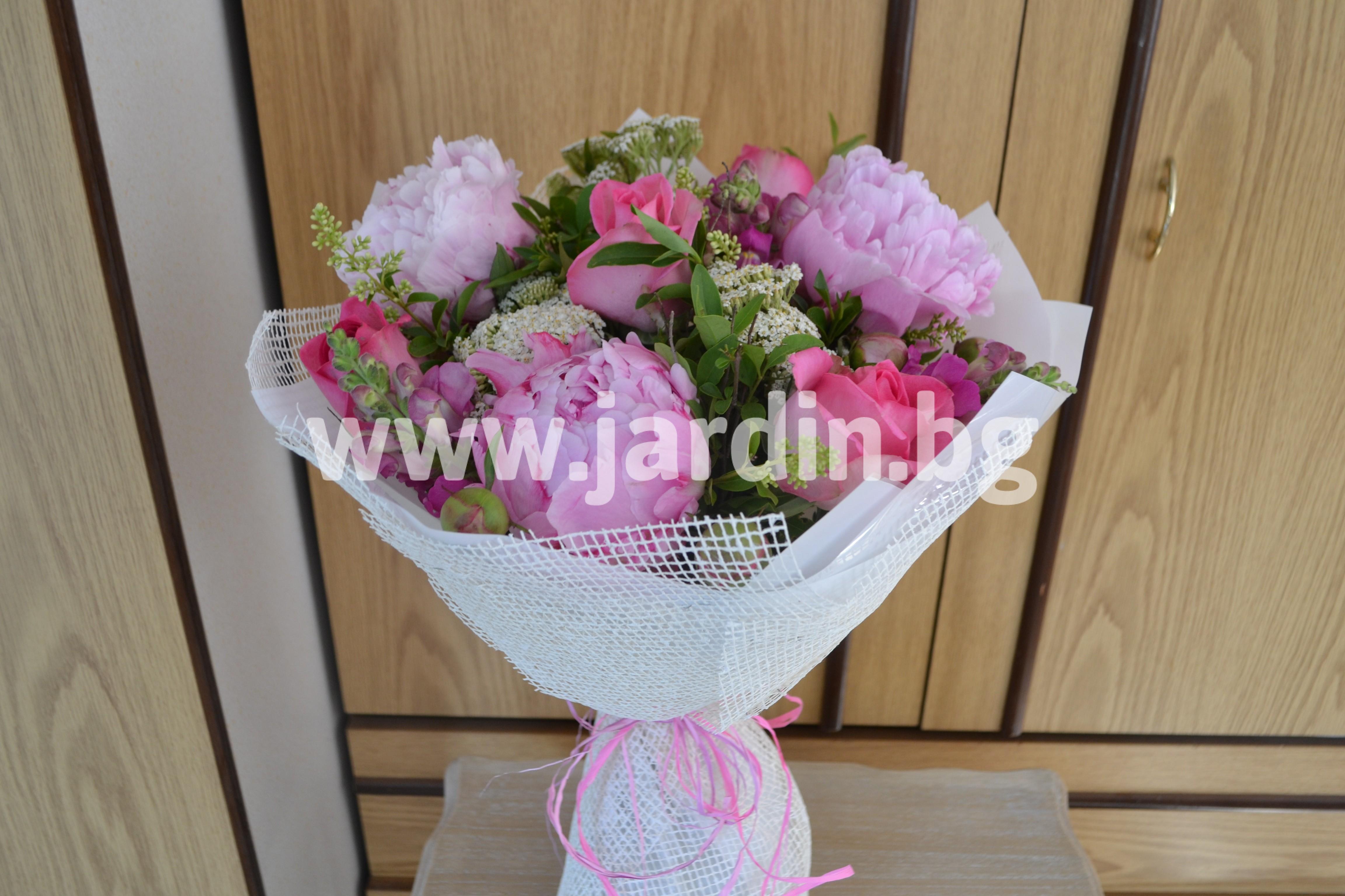 букет-божури-рози (1)