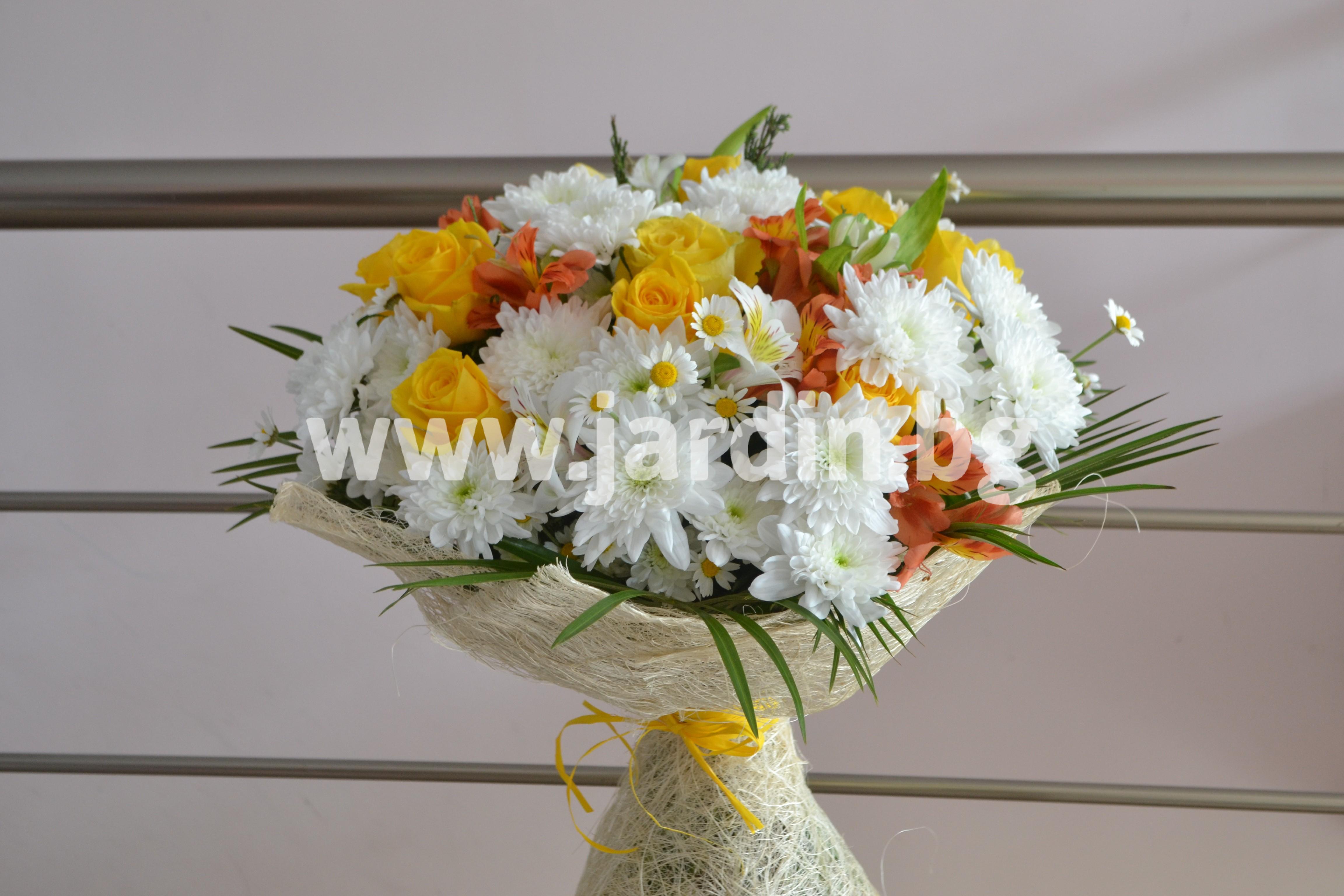 bouquet-roses-alstroеmerias-hrizanthemums (4)